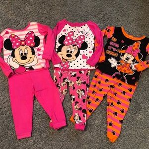 Minnie Mouse 2T PJ Set 3 lot